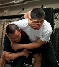 krav-maga-force-fighting-choke